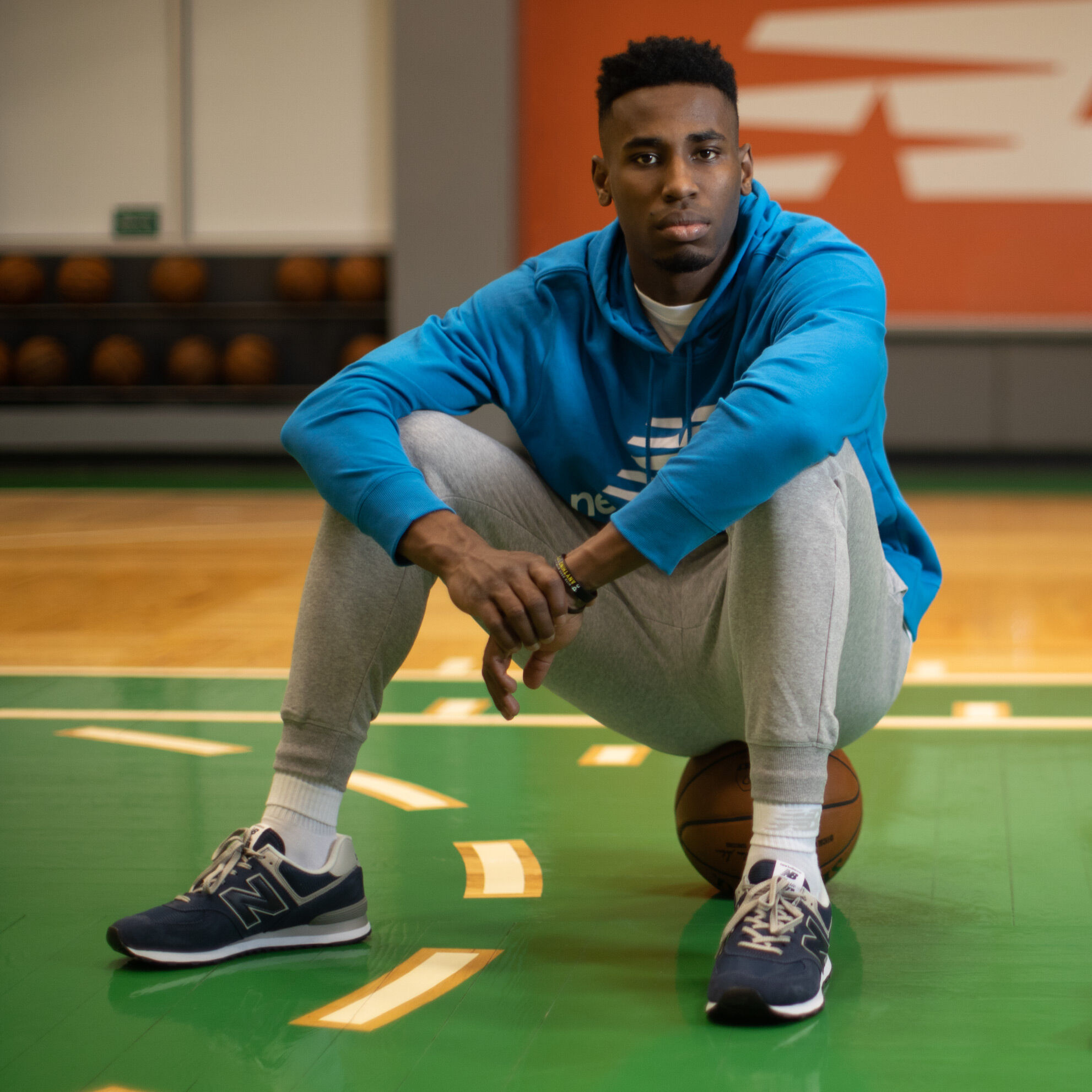 Basketball Scarpe e Vestiti - New Balance